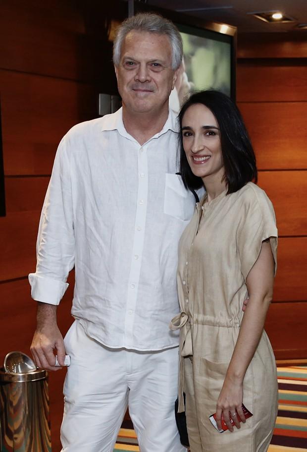 Pedro Bial e esposa