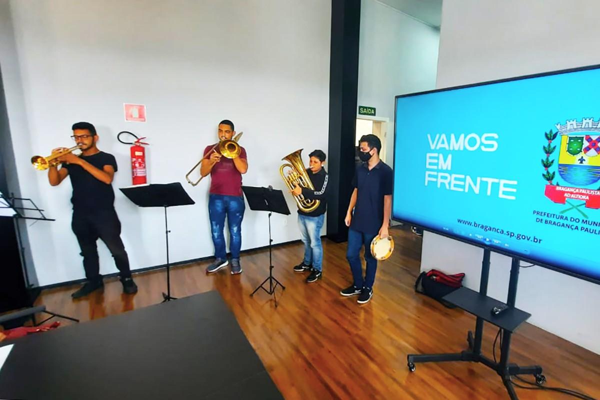 """Prefeitura de Bragança Paulista anuncia projeto """"Musicalizando nas Escolas"""""""