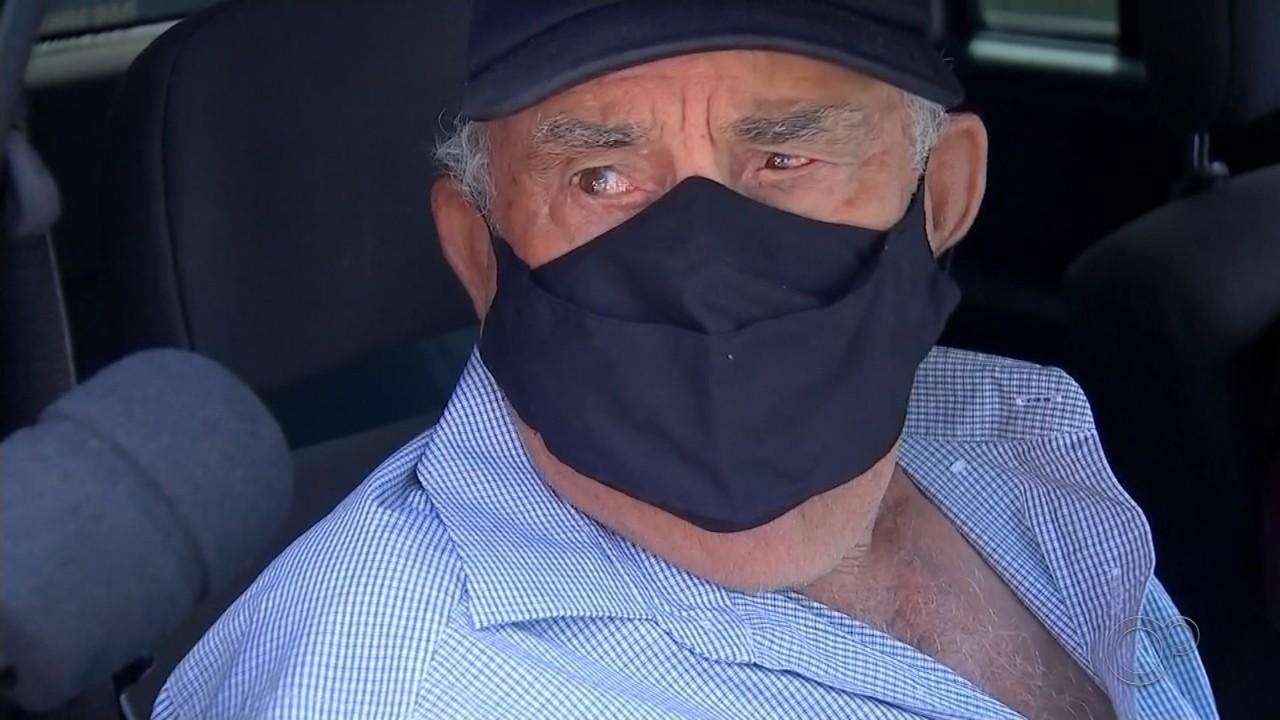 Idosos com mais de 80 anos são vacinados contra a Covid em Paraguaçu Paulista