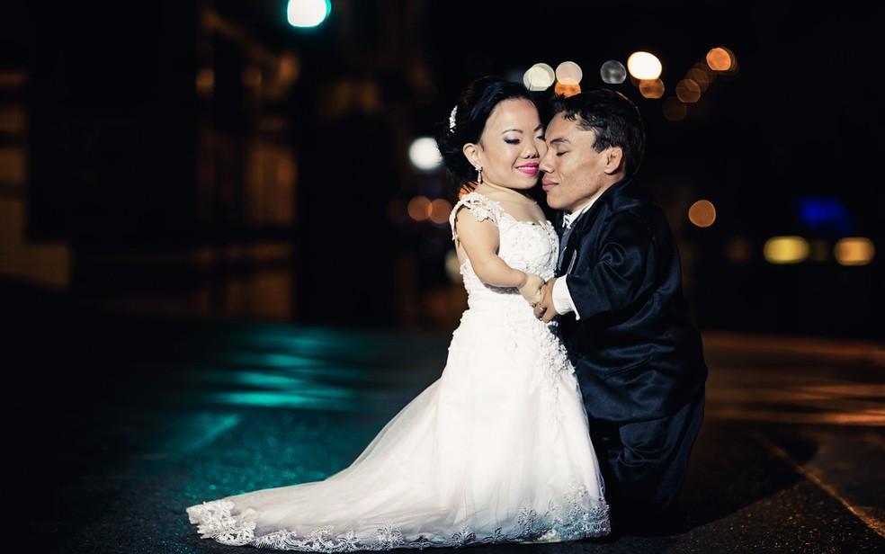 Casal se conheceu pelo Orkut, há dez anos — Foto: Divulgação/ Pippo Ferreira Casamentos