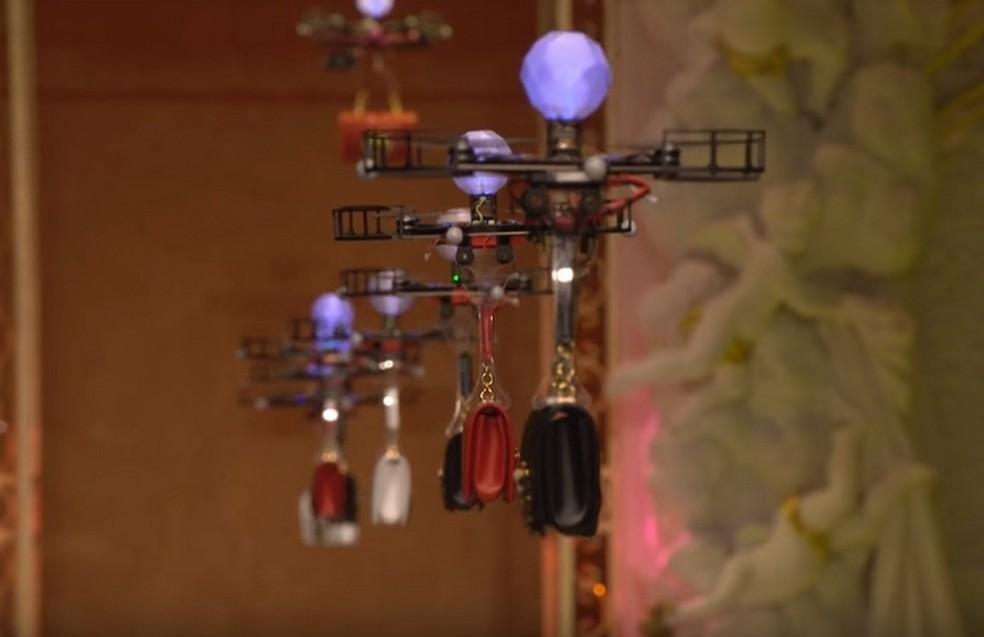 Dolce & Gabbanacolocou drones para mostrar suas bolsas em desfile de moda (Foto: Reprodução/Dolce & Gabbana/YouTube)