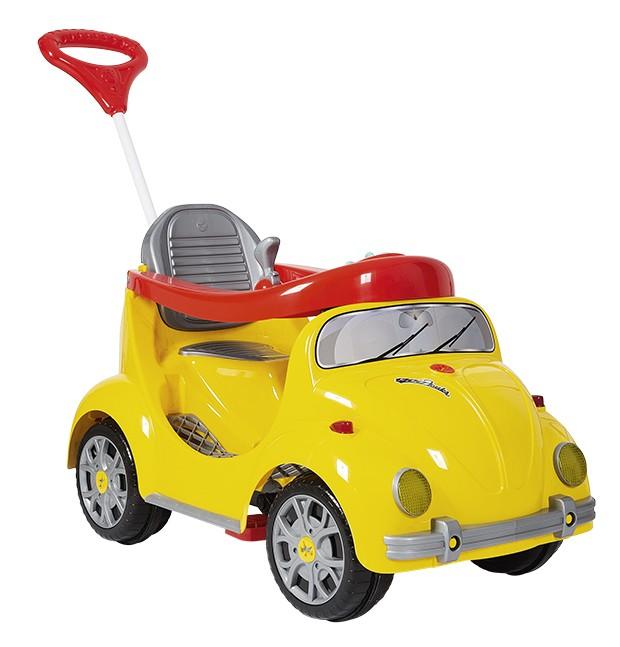MiniCarro Infantil 1300 Fouks - 2 em 1 R$ 566,90, CALESITA O carro (94 x 49 x 58 cm) se adapta ao desenvolvimento da criança. Primeiro,  os pequenos são conduzidos pelos adultos. Depois, com o tempo, o empurrador e os apoios para os pés podem ser retirados, sendo possível pedalar. Indicado para até 30 kg.  (Foto: Bruno Marçal / Editora Globo)