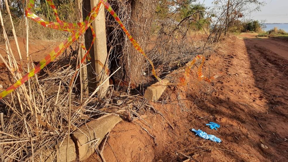 Partes de corpo humano esquartejado foram encontradas no bairro Village Lagoinha, em Presidente Epitácio (SP), no dia 22 de agosto — Foto: Marcelo Casarini/Cedida