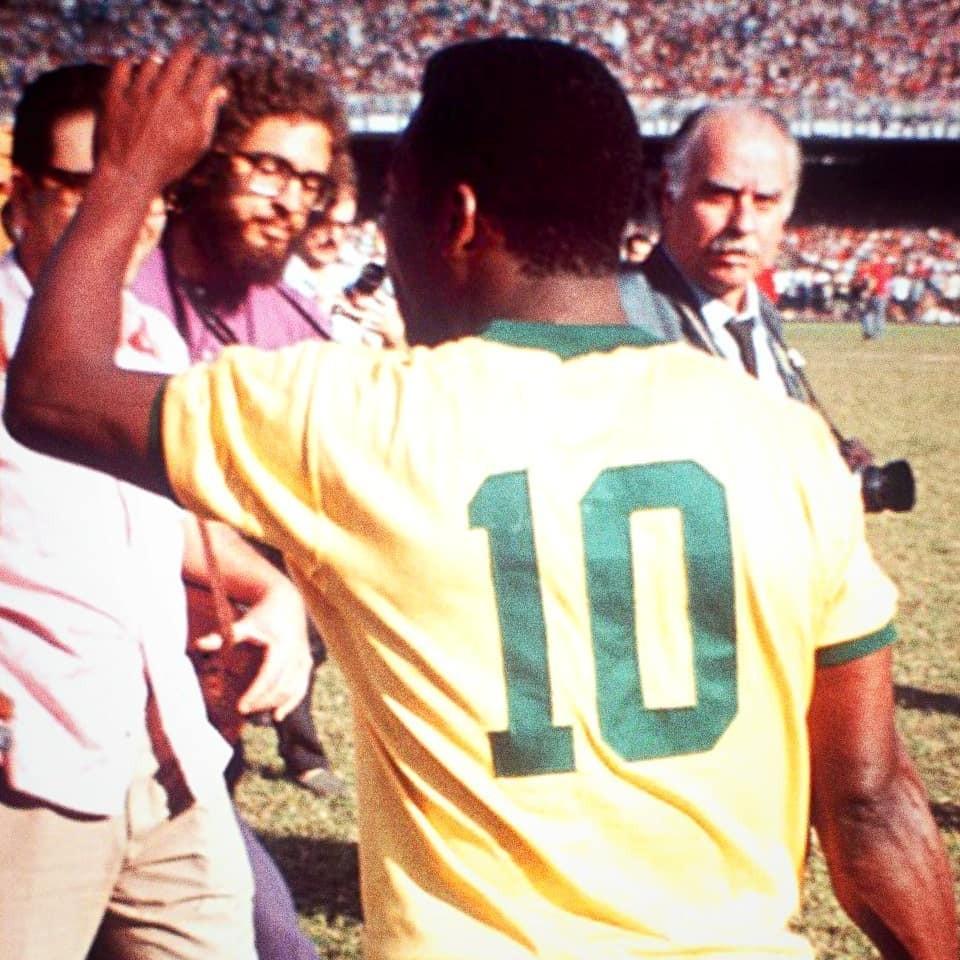 Pelé e a 10 que ele fez famosa e respeitada no mundo inteiro (Foto: Reprodução/Instagram @pele)