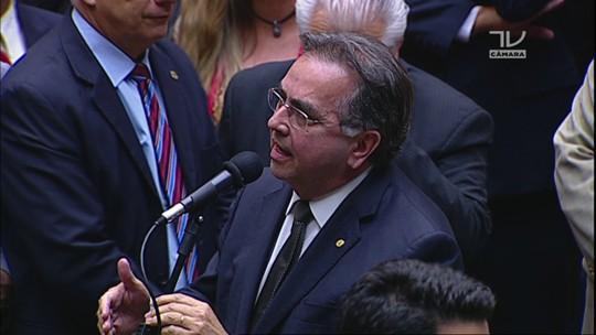 Deputado Leônidas Cristino (PDT-CE) anuncia voto