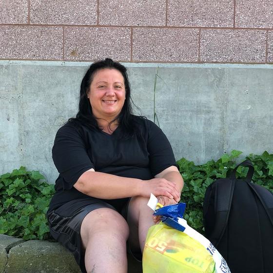 Tentando se recuperar do vício em opioides, Angelina Santoro desistiu de procurar emprego (Foto: HENRIQUE GOMES BATISTA)