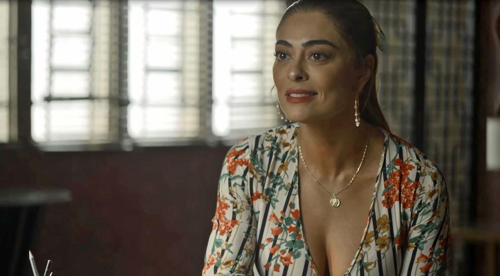 Maria da Paz (Juliana Paes) garante a Fabiana (Nathalia Dill) que vai voltar a ser dona da fábrica, na novela'A Dona do Pedaço' — Foto: Globo