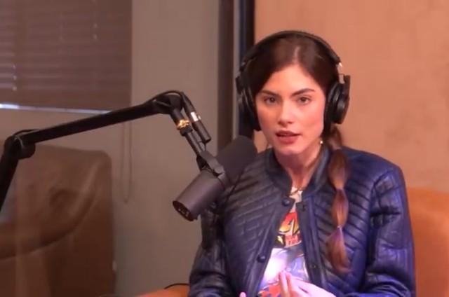 Bruna Hamú em vídeo do canal 'Positivamente' (Foto: Reprodução)