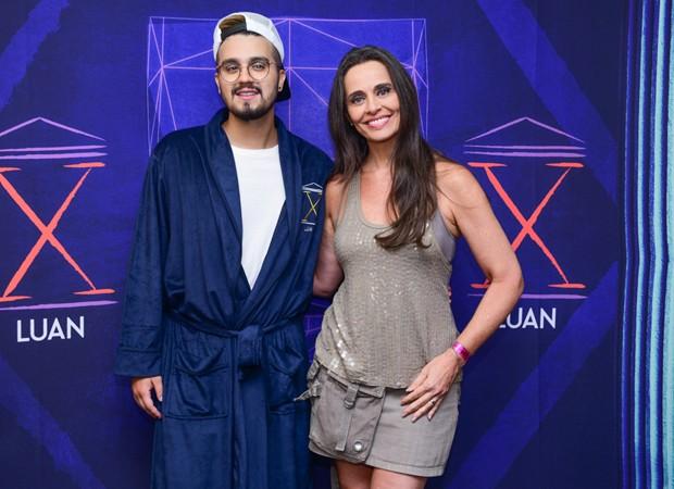 Luan Santana e Carla Prata (Foto: Leo Franco/AgNews)