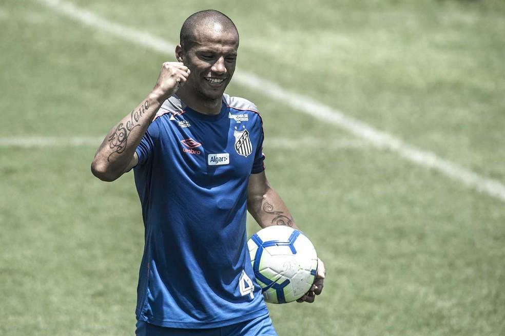 Carlos Sánchez pertence ao Santos — Foto: Ivan Storti/Santos FC