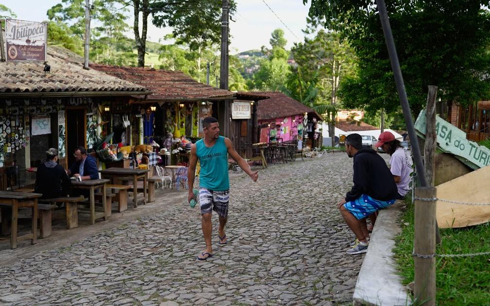 Parque Estadual do Ibitipoca - rua da Vila de Conceição de Ibitipoca, que parte da cidade de Lima Duarte. — Foto: Dimas Stephan/G1