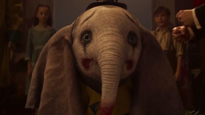 Dumbo na versão de Tim Burton do clássico da Disney (Foto: Divulgação)