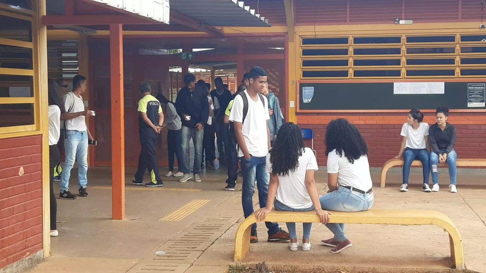 Centro de Educacional 7 (CED 7) da Ceilândia Norte é uma das escolas de gestão compartilhada com a PM, no DF — Foto: Carolina Cruz/G1
