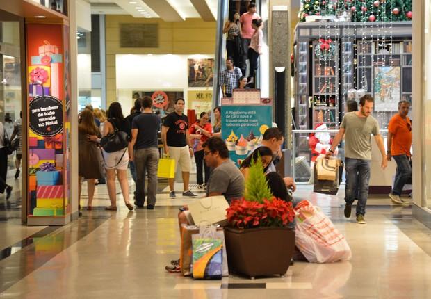 Compras de Natal ; varejo ; consumo ; shopping center ; lojas ; vendas de Natal ; comércio ;  (Foto: Valter Campanato/Agência Brasil)