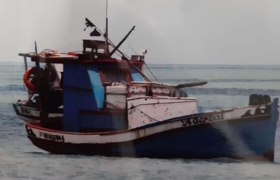 """Tripulantes ficaram vários dias à deriva no barco """"Aderbal"""" entre o litoral potiguar e o cearense  — Foto: Divulgação"""