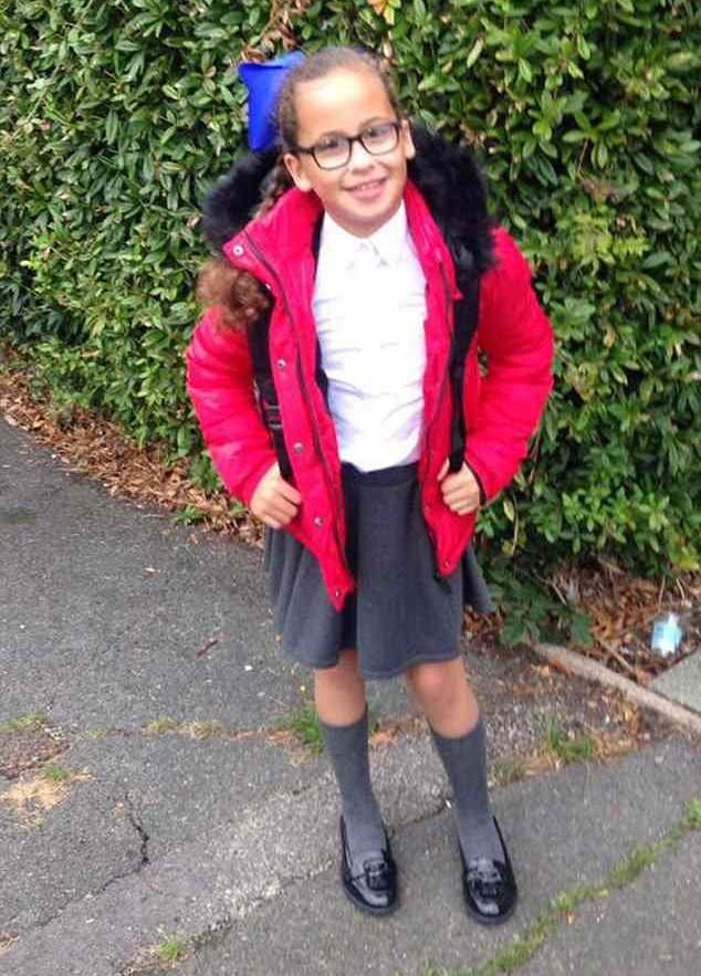 Laila indo para a escola (Foto: Arquivo pessoal)