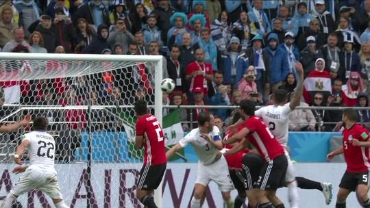 """Após gols perdidos e irritação em campo, Suárez lamenta: """"Não estive à altura"""""""