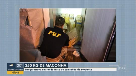 PRF prende pai e filho suspeitos de transportar maconha em caminhão de mudança em Barra Velha