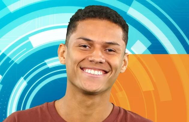 Danrley é carioca, tem 19 anos e mora na Rocinha, comunidade da Zona Sul do Rio de Janeiro. Estuda ciências biológicas e, para ajudar na renda familiar, dá aulas particulares. Mora com os pais e tem três irmãos (Foto: TV Globo)