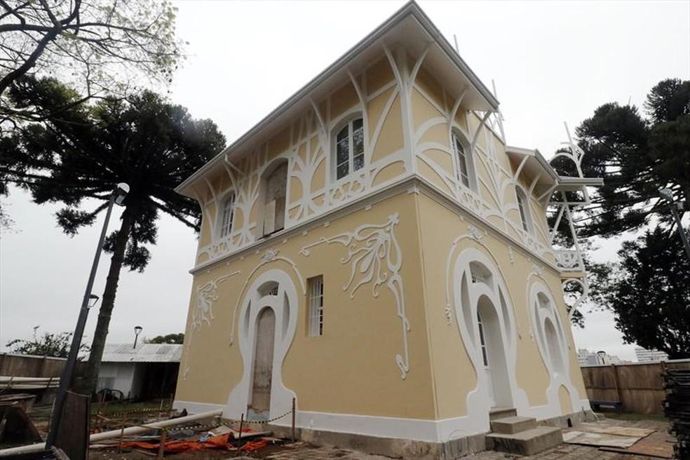Edifício está sendo restaurado, após incêndio — Foto: Lucilia Guimarães/SMCS