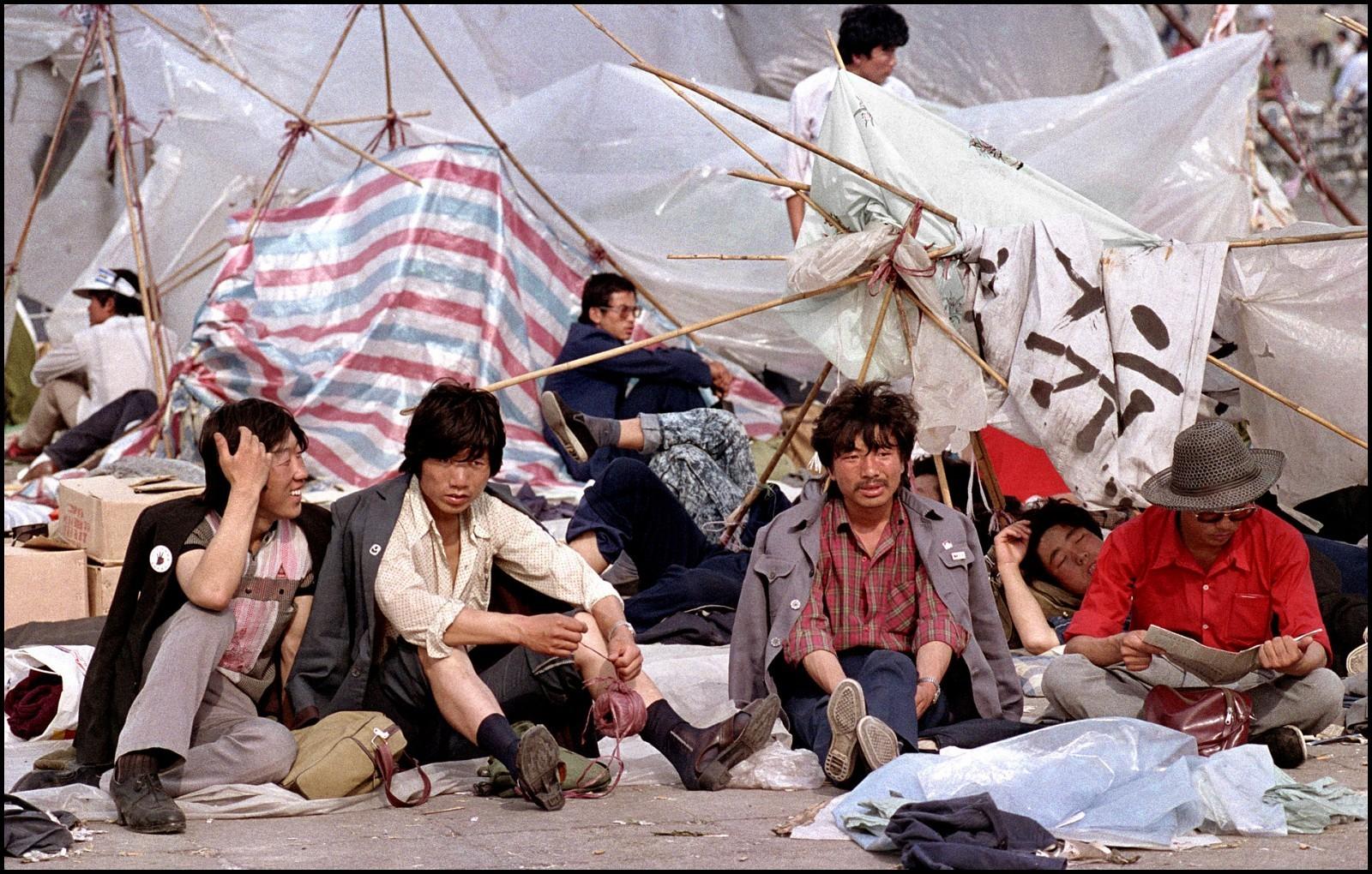 Protestantes acamparam durante manifestação que ficou conhecida como Massacre da Praça da Paz Celestial, em 1989, na China