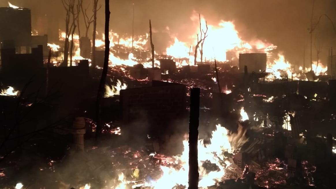 Gaeco e PM cumprem mandados em investigação sobre mortes e incêndio na Vila Corbélia, em Curitiba - Noticias