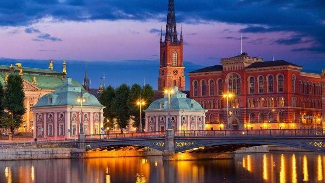 A Suécia tem um sistema único de concessão de licença aos trabalhadores para que possam lançar um novo negócio (Foto: ALAMY via BBC)