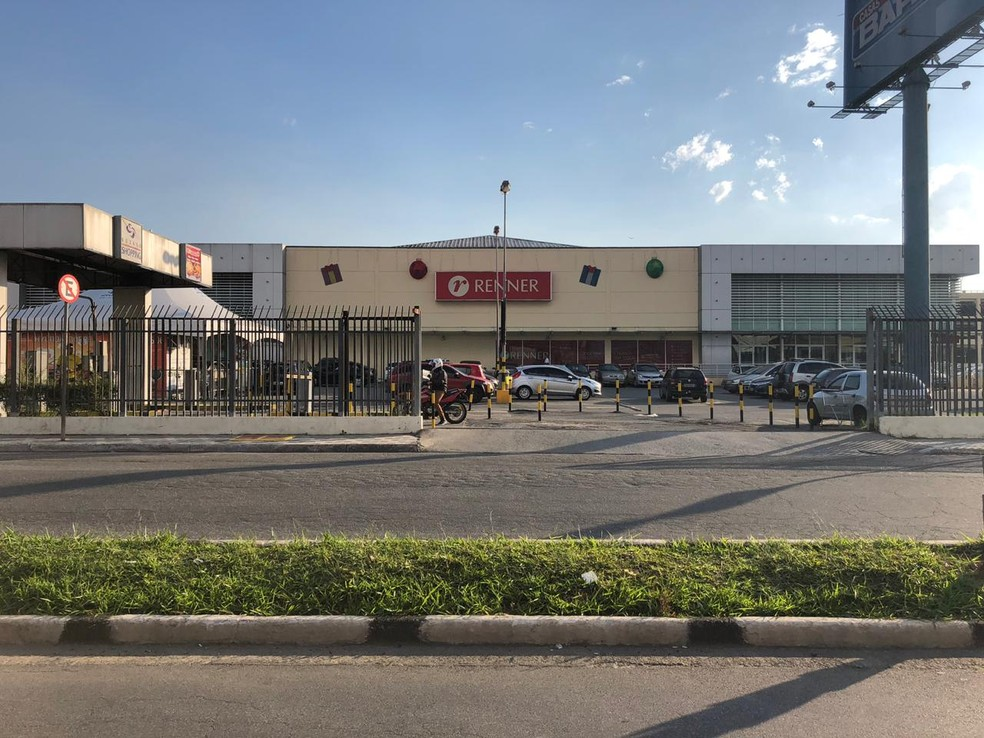 4bab97ef2edac Foto  Willian Ruiz  Shopping de Suzano tem 5 vagas de trabalho disponíveis.  — Foto  Willian Ruiz