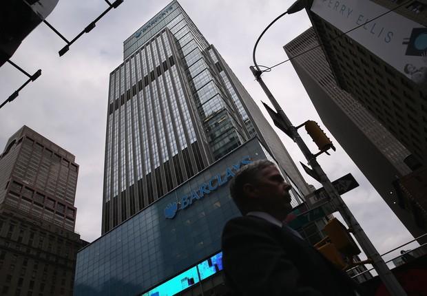 Antigo prédio do Lehman Brothers, o então quarto maior banco de investimento dos Estados Unidos, que desencadeou a crise financeira de 2008; Hoje, o edifício é ocupado pelo banco britânico Barclays PLC (Foto: Getty Images)