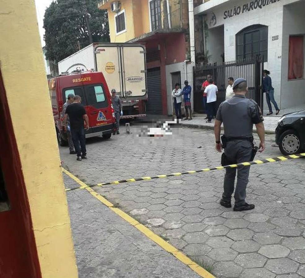 4343ce19d Açougueiro é executado ao ser alvo de nove tiros em Itanhaém