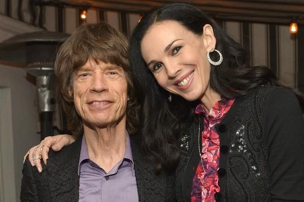 Mick Jagger e L'Wren Scott em Los Angeles em 19 novembro de 2013, menos quatro meses antes de ela se matar. (Foto: Getty Images)