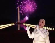 """Orlando Bloom exalta Katy Perry após apresentação na posse: """"Lágrima de alegria"""""""
