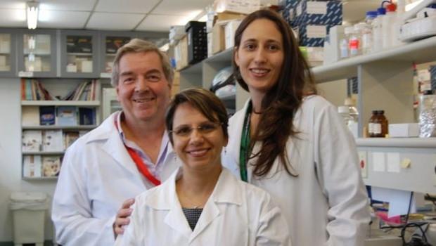 Equipe do geneticista Carlos Menck chegou ao vilarejo em 2010 para tentar identificar a causa da doença por meio de análises do DNA (Foto: Arquivo Pessoal)