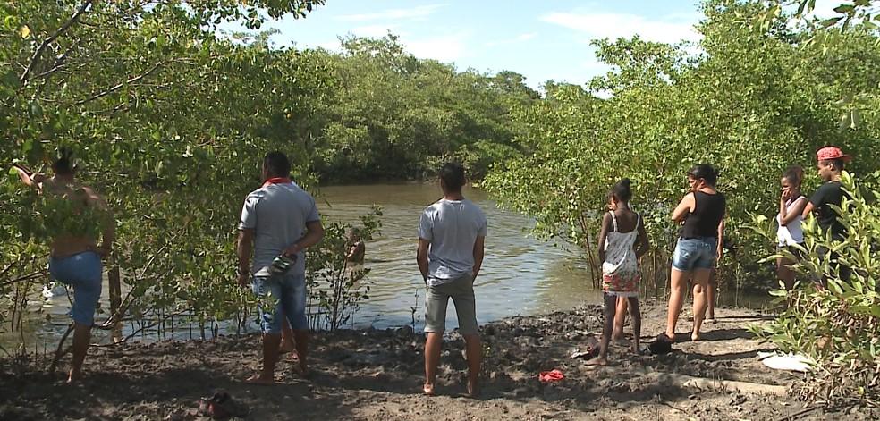 Igarapé no bairro Mauro Fecury 1 onde as seis crianças entraram para nadar (Foto: Reprodução/TV Mirante)