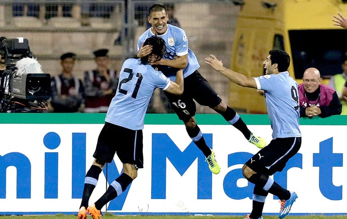 Maximiliano Pereira comemoração Uruguai contra Jordânia  (Foto: AP)