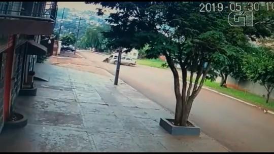 Acidente envolvendo carro da PM deixa cinco feridos em São Miguel do Iguaçu; ASSISTA