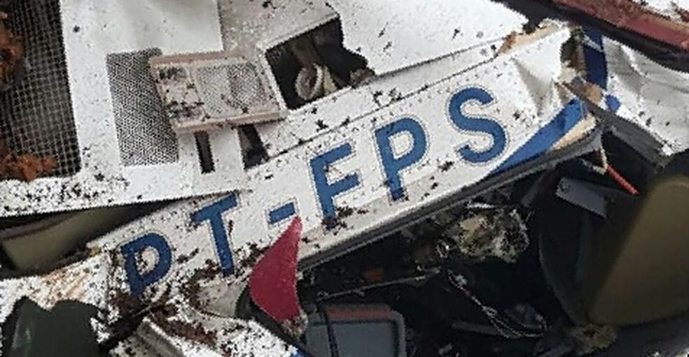 Queda de helicóptero mata seis pessoas em Campos do Jordão, SP — Foto: Corpo de Bombeiros/Divulgação