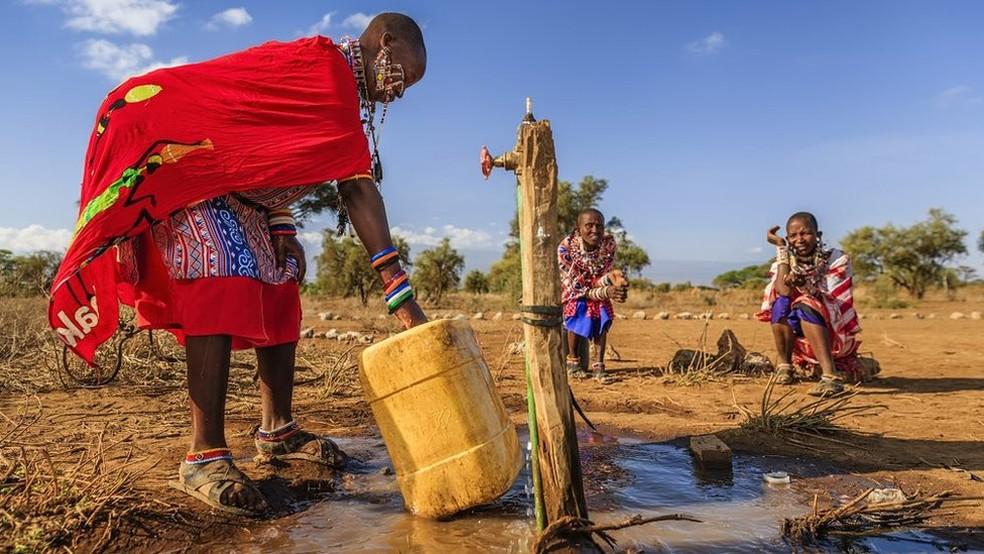 Nova pesquisa sugere que o aquecimento global aumentou a desigualdade social ao reduzir o crescimento de países de clima quente, como Índia, Brasil e Nigéria, enquanto países desenvolvidos, como Noruega e Suécia, ficaram ainda mais ricos — Foto: Getty Images via BBC