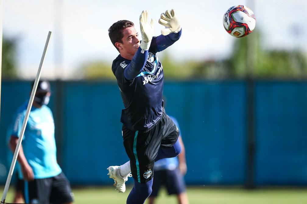 Brenno será titular do Grêmio contra o Esportivo — Foto: Lucas Uebel/Grêmio