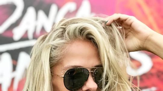 Adriane Galisteu muda visual para dançar zouk: 'Quero jogar o cabelo'