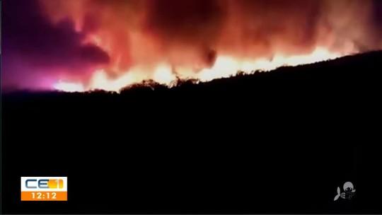 Incêndio atinge residências na divisa entre CE e PI: 'Estamos abandonando a casa e soltando os animais'