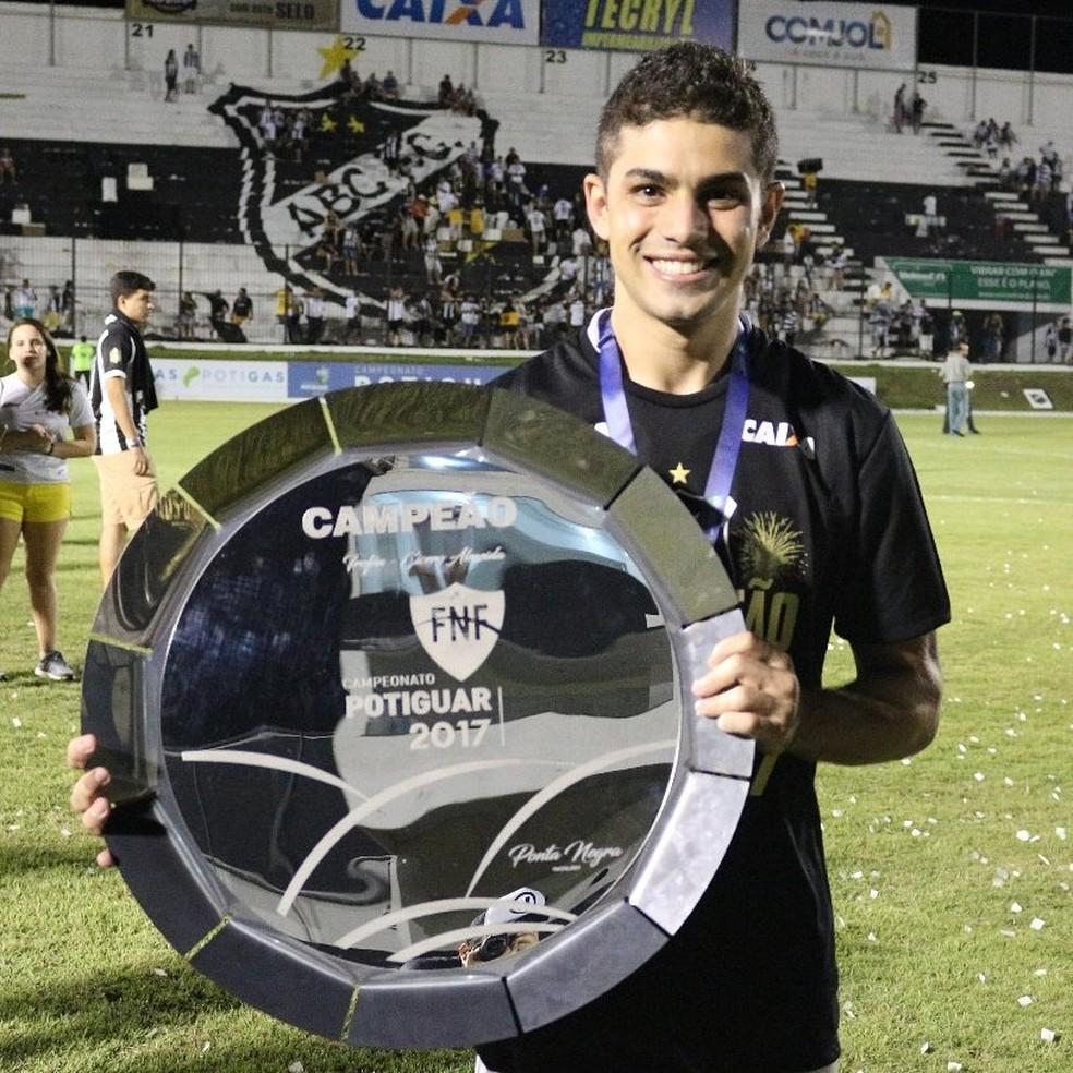 Gegê foi eleito o melhor meia do Campeonato Potiguar  (Foto: Reprodução/Twitter)