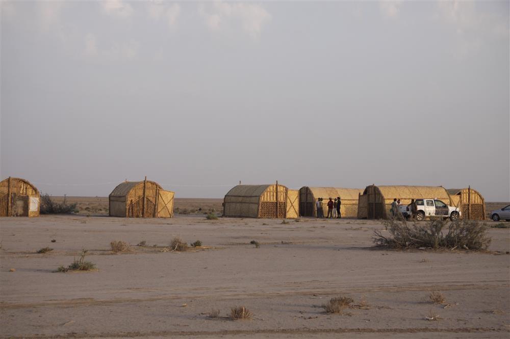 Acampamento onde se hospedaram os arqueólogos que conduziram a pesquisa no Iraque  (Foto: Instituto de Arqueologia da Academia Russa de Ciências)