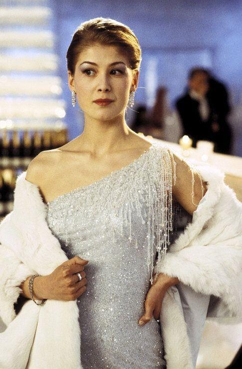 Rosamund Pike em '007 - Um Novo Dia Para Morrer' (2002) (Foto: Divulgação)
