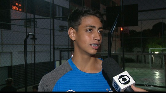 Promessa do futebol paraibano fala sobre a sensação de vestir a camisa do Grêmio