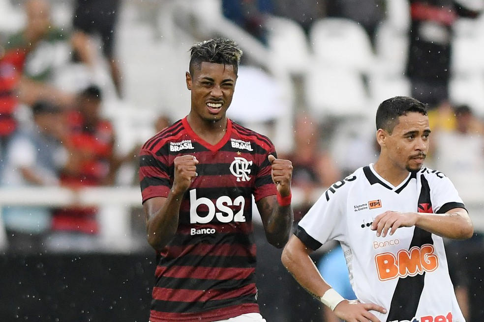 Bruno Henrique comemora gol do Flamengo no primeiro jogo da final  — Foto: Alexandre Durão