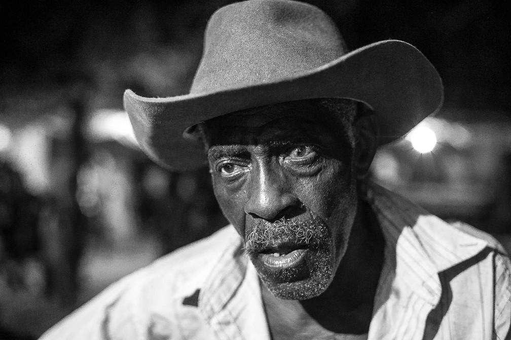 Morador da comunidade Kalunga, em Goiás, retratado em exposição em cartaz no DF (Foto: Weverson Paulino/Arquivo pessoal)