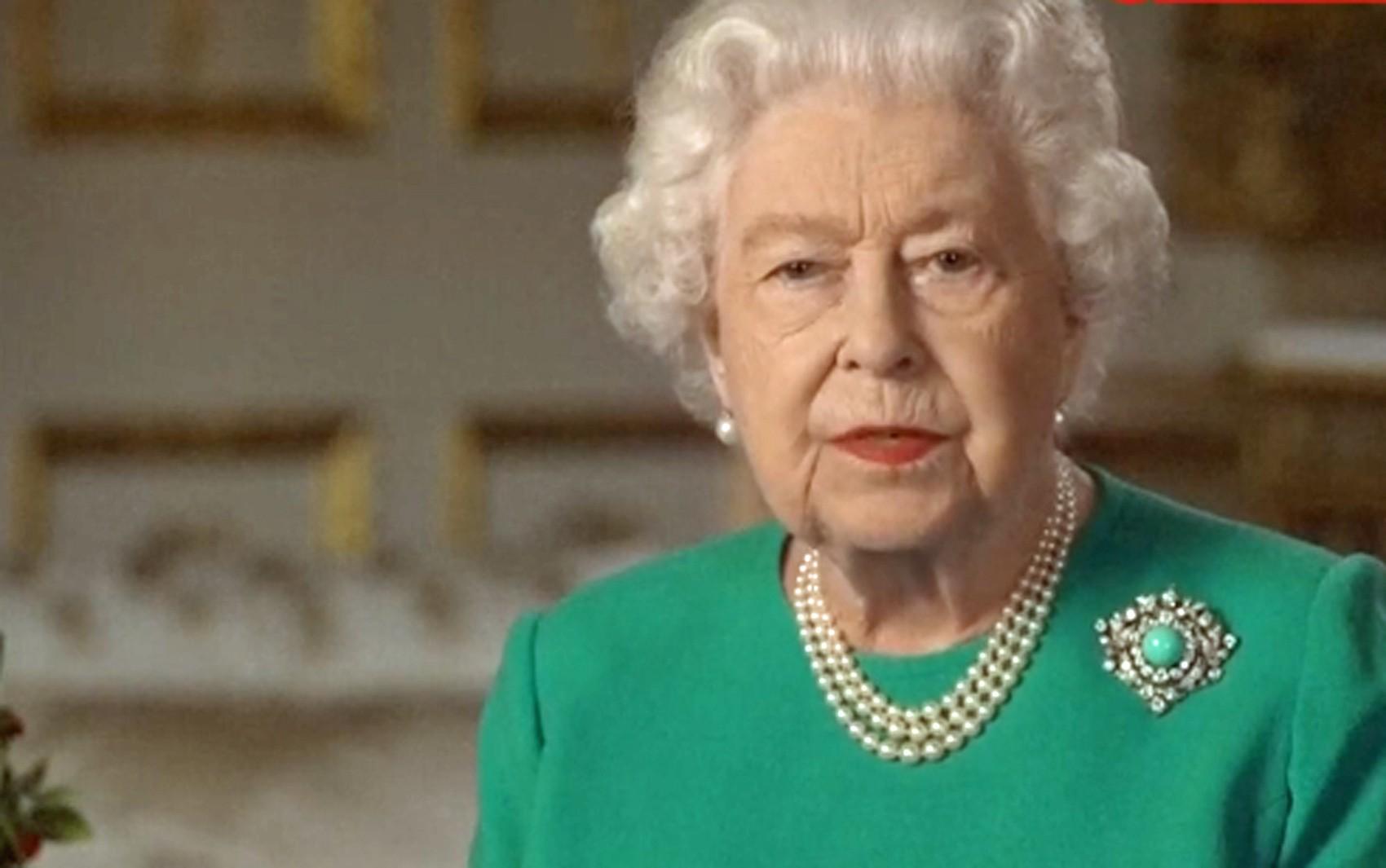 'Vamos nos encontrar novamente', diz rainha Elizabeth II em pronunciamento