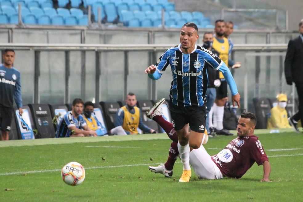 Luiz Fernando em derrota do Grêmio para o Caxias — Foto: Eduardo Moura/ge