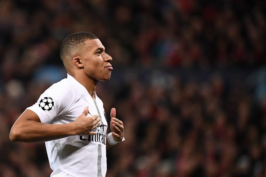 Com números imbatíveis aos 20 anos, Mbappé iguala gols de Ronaldo na Champions